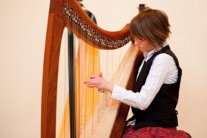 Lia Walsh performs frequently at Alan Howard Waldorf School for its various events including graduation ceremony, school play, and concerts. She has also performed with Harp Sinfonia on many occasions.