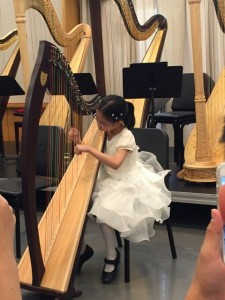 7 year old Chloe Yip impressed her audience despite she started her studies under the tutelage of Andrew Chan only 9 months ago. She scored 92% First Class Honours with Distinction for her RCM Grade 4 Examination recently. She was a winner of the prestigious RCM Gold Medal Award.