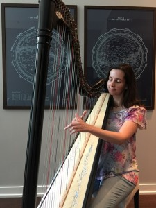 Vanessa, data analyst, played the flute in childhood but has always been attracted by the beauty of the harp. She made the harp as her instrument of choice in online RPG games, until she decided to take it to real life. She now enjoys her hobby immensely!